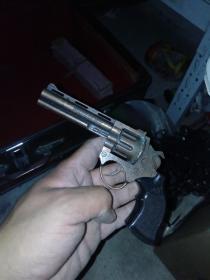 80年代玩具左轮枪