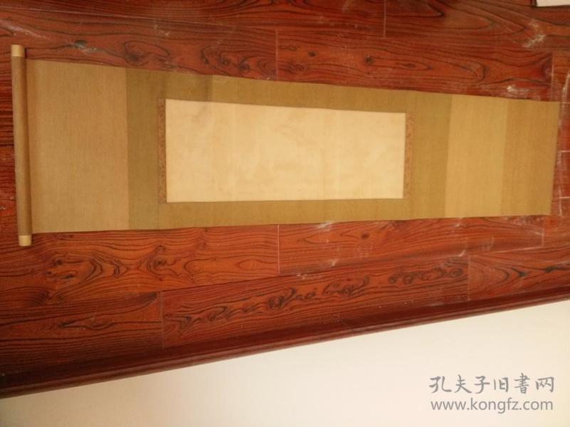 民国,装裱精美,就是现在裱也要几百几年前高价收到的,民国空白老立轴,画心33*67厘米高。