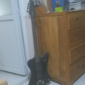 老西洋乐器收藏,,德国的贝斯,一把,,品相好,