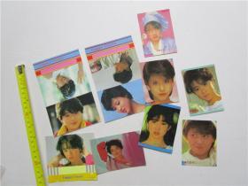 约八十年代日本女明星硬卡纸小画片 中森明菜 小泉今日子 松田圣子 等大小共9张合售 (小画片底印有考试出猫证 拍拖许可证等字样)