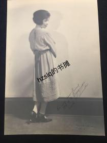 【经典摄影】1920年代美国现实主义先锋摄影系列_女士侧影(美籍摄影家F.Y.Ogasawara作品,附作者签字)