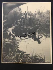 【经典摄影】1920年代美国现实主义先锋摄影系列_池塘边的惬意时光(美籍摄影家F.Y.Ogasawara作品)