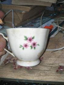 茶杯一个    花鸟漂亮