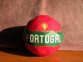 耐克2009年欧洲杯葡萄牙队限量定制小号足球