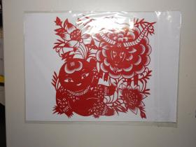 天津非物质文化遗产剪纸项目代表性传承人、中国民间文艺家协会会员 郝桂芬  剪纸《羊年主题窗花》 (有设计授权书影印件)附天津《今晚报》专题报道。