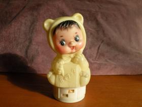 7,80年代 经典猫耳朵算术娃娃存钱罐 有裂