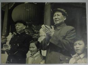 1959年齐观山拍摄庆祝中华人民共和国成立十周年毛泽东刘少奇天安门城楼大幅照片