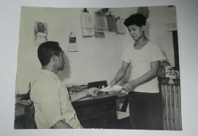 五十年代初期布纹厚相纸30厘米大幅摄影照片递交申请