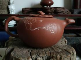 文革柿形紫砂壶,无裂,使用痕迹。