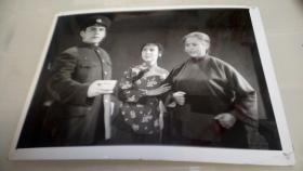 新疆歌舞团,革命现代京剧样板戏红灯记
