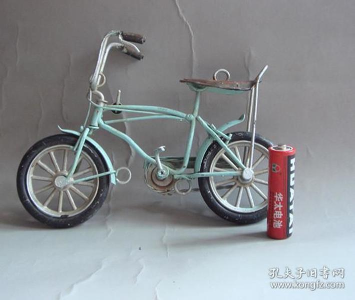 纯手工老车模铁质车模老玩具自行车一个