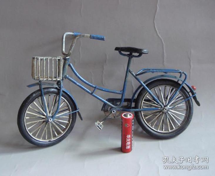 纯手工老车模铁质车模老玩具自行车蓝色