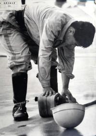 摄影家庄骥摄影作品《我前方的兄弟》大幅照片48x38厘米,银盐纸基,1990年代拍摄洗印。