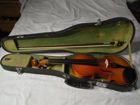 星海牌4分之4成人小提琴