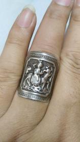 下乡收的老货【旧物换钱】藏传精品高浮雕麒麟送子银戒指