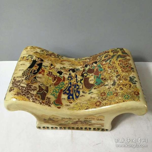 瓷凉枕一个,精致漂亮,长22cm,高10cm,品相如图,
