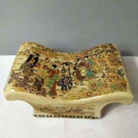 瓷凉枕一个,赌博网:精致漂亮,长22cm,高10cm,品相如图,