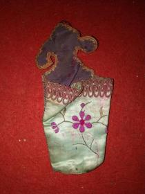 清代丝绸刺绣荷包