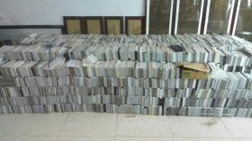 整体出售电视台录像带电视剧近190套,电影近400本欢迎议价选购。总量约有2800多本。还有部分散本带