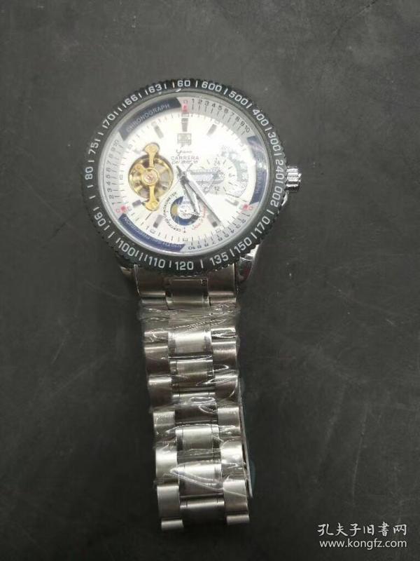 卡莱拉手表,价钱100元,重量147克。代理可以转图加价,运费自理。