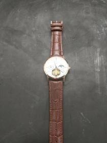 伯爵手表,重量882克。代理可以转图加价,运费自理。