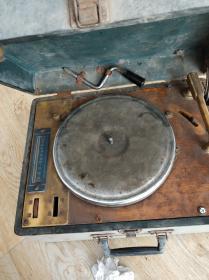 手摇唱片机