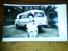 老照片 4寸儿童与汽车