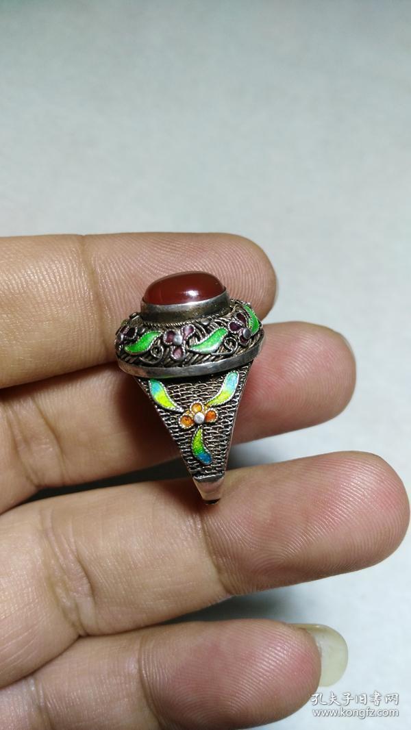 下乡收的老货【旧物换钱】掐丝珐琅彩镶嵌红玛瑙景泰蓝银戒指