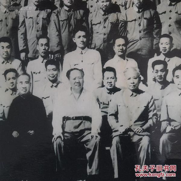 。。~非常珍贵难得的巨幅老照片《1964年6月15日毛主席刘主席等党和国家领导人检阅***时和受阅官兵合影》尺寸30厘米*270厘米!建国初期风云人物基本都上面~~识者得之~··