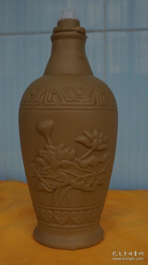 收藏酒瓶 微山湖荷花图浮雕酒瓶高20厘米一斤装无盖(x4)