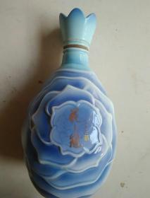 花之冠酒瓶
