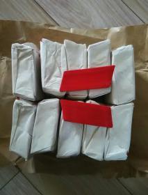 文革时期红领章(100付原包)内有红线,后面没有印章