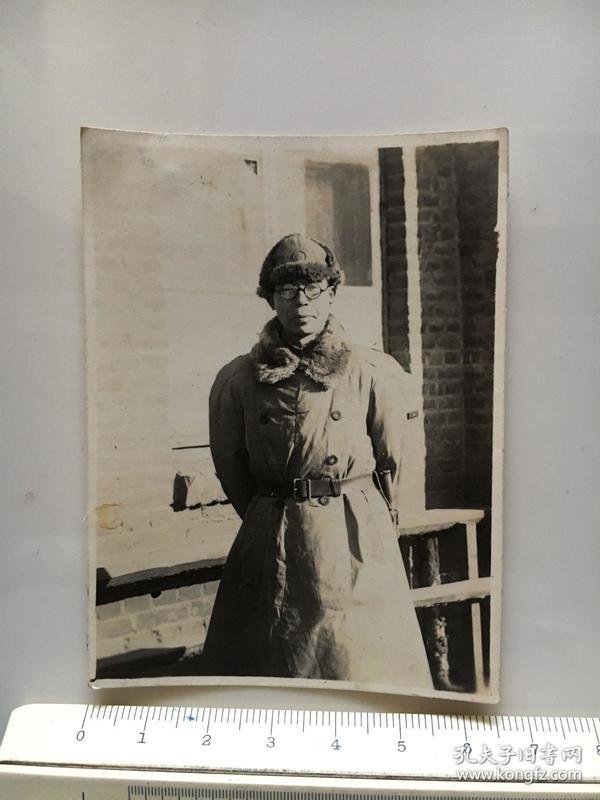 侵华日军照片:戴眼镜的日本兵