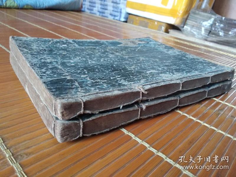 低价出售清代早期和刻大本厚册《诗经》一套2册全。字大墨浓,印制精良。。。