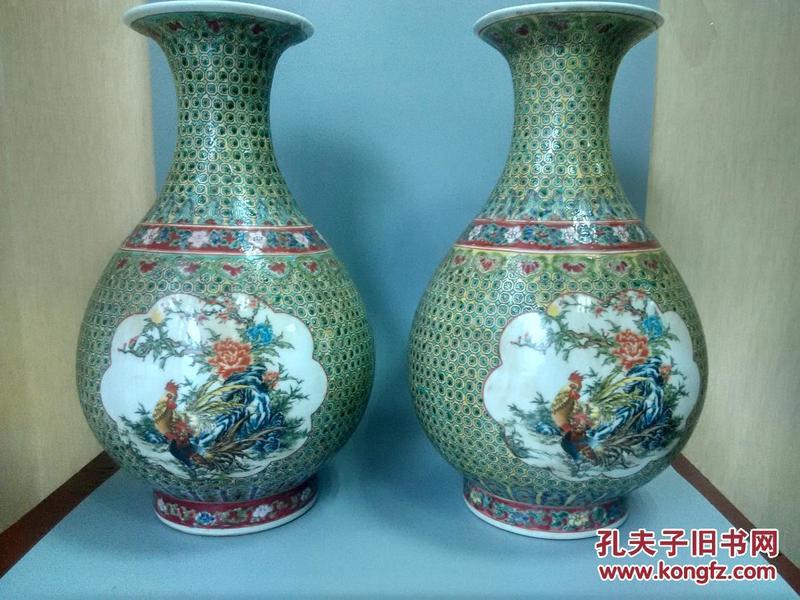 乡下收的大清乾隆年制五彩大瓷瓶一对图片