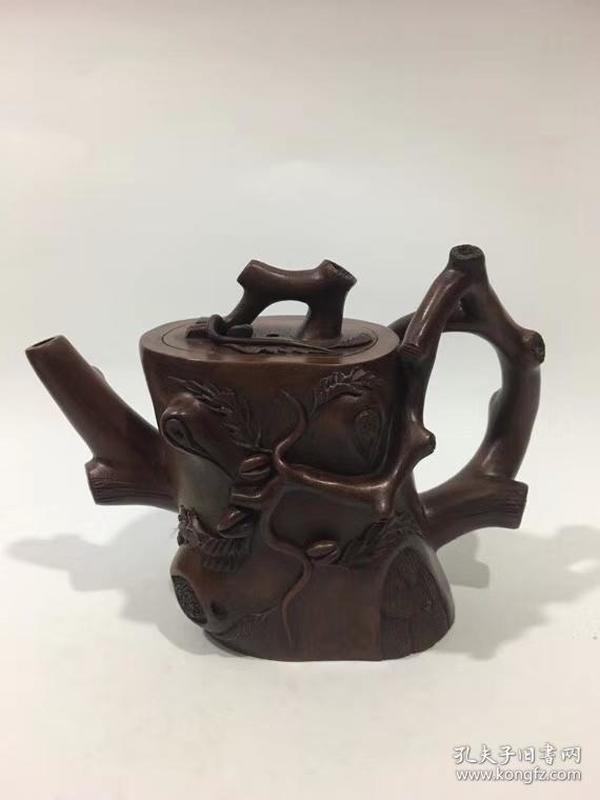 冯桂林制  宜兴紫砂壶 品如图珍藏版