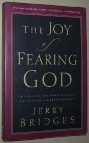 英文原版书 The Joy of Fearing God  Paperback –2004 by Jerry Bridges  (Author)