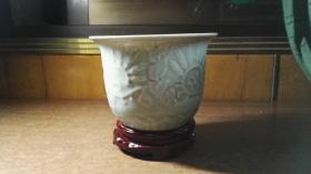龙泉瓷小花盆1个(私藏品还好,自然旧,上口宽16CM,高11.5CM)
