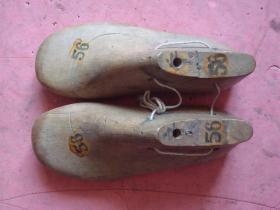 老鞋靴一对