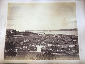 約1863年原版蛋白照《廣州花塔》《廣州黃埔港》兩張,西爾維斯特·達頓(Sylvester Dutton,1824-1866)和維森特·麥克爾斯(Vicent Michels,1832-1864)攝制