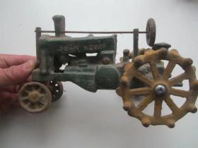 世界著名的美国约翰迪尔(JohnDeere)强鹿.古董纯铁拖拉机玩具模型