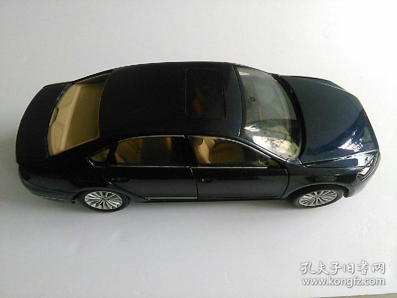 车模 NEW PASSAT  1:18PASSAT   上海大众汽车有限公司