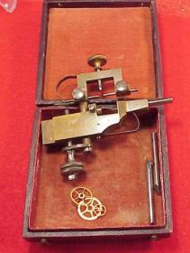 19世纪瑞士产的精密钟表维修工具原盒原装,非常有使用价值的维修工具