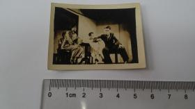 1950年代初,三野文工团在南大礼堂演出话剧剧照