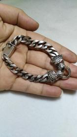 下乡收的老货【旧物换钱】藏传镶嵌红宝石豹头银手链