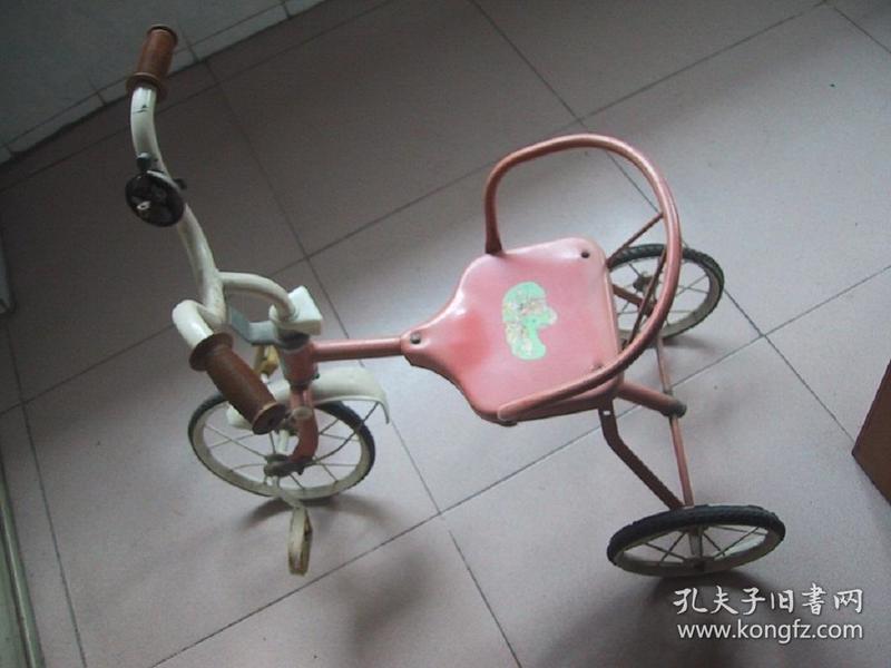老式-----小朋友-----三轮车------1辆(货号1079)