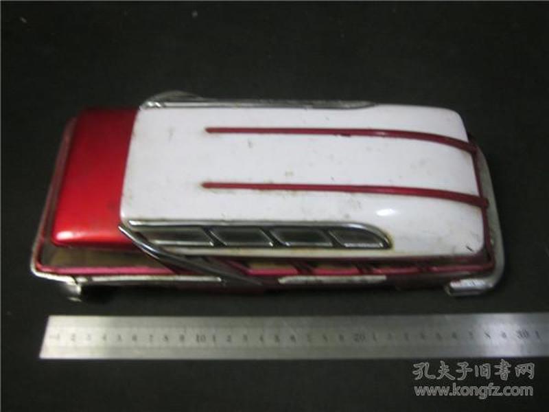 上世纪70年代铁皮玩具公交车北京-上海。
