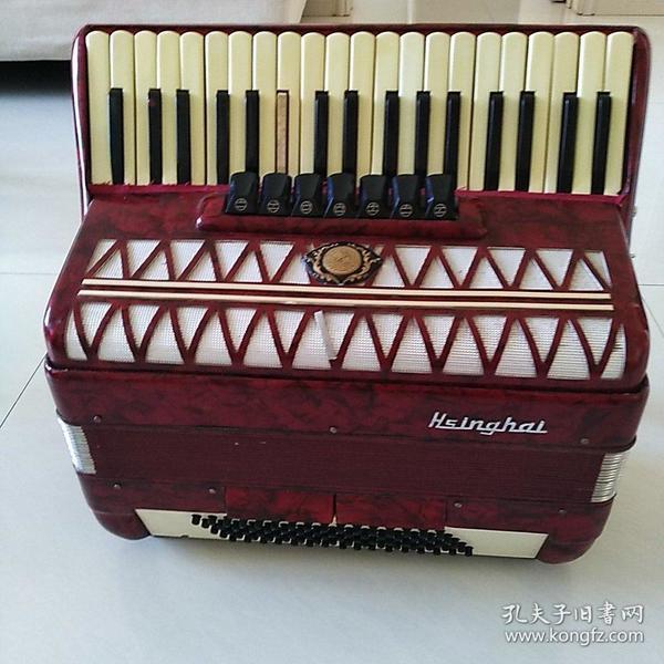 星海牌8O贝司手风琴