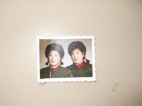 老照片:女军人照片 【彩照】