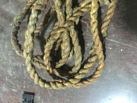 老皮绳一根
